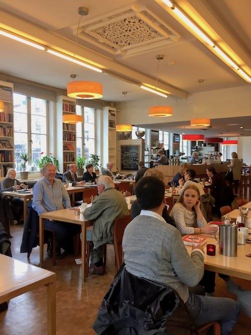 2-Kafe-Oslo_Kerri-Arsenault